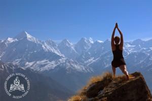 Yoga na tle Panch Chuli